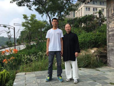 大青山宁东吉与王碧涛先生合影