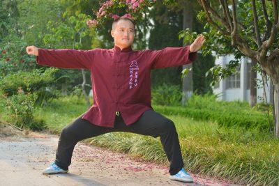 韩瑞教练在大青山国际太极学校的单鞭式