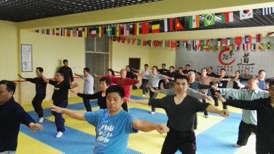 安丘第三期实用拳法学员在练习