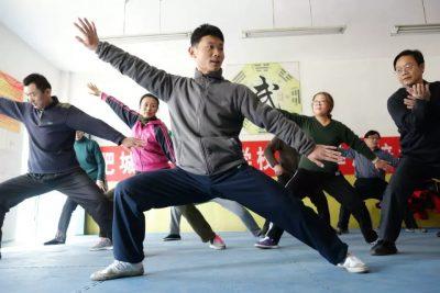 陈旭教练给学校的老师们上课